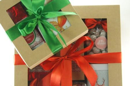 Uzņēmumu dāvanu komplekti Ziemassvētkos